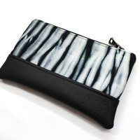 Black White Shibori Clutch, Hand Dyed Purse, Hand Dyed Clutch, Zippered Pouch, Tie Dye Clutch, Shibori Purse, Small Clutch, Shibori Pouch