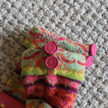Girls Scandinavian leg warmers, little girls leg warmer,pink buttons,cuff,soft acrylic blend, wear with boots,handmade,sz small