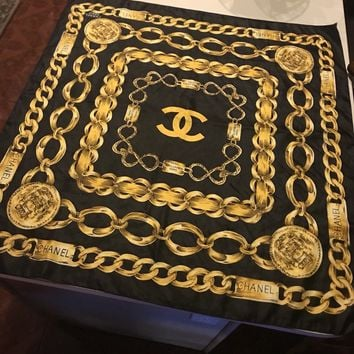ORIGINAL VINTAGE CHANEL PARIS 31 RUE CAMBON BLACK WITH GOLD CHAINS SILK SCARF
