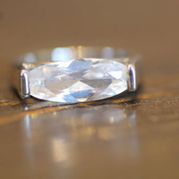Vintage Crystal Ring//Clear Crystal Ring