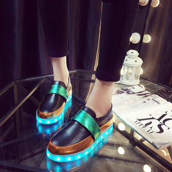 Korean Casual LED Lightning Round-toe Low-cut Flat Stylish Shoes [6734564743]