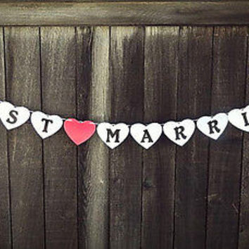 Heart Shaped Just Married Wedding Banner - Pearl White Wedding Sign Photo Prop