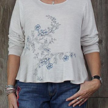 Cute Kohls XL size Top Beige Blue Embroidered Floral Peplum Style