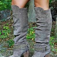 Vegan Leather Boots with 4