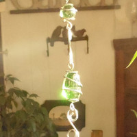 Green Marble Swirliing Wire Wrapped Sun Catcher Garden Decor Yard Art Whimsy