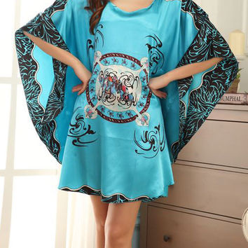 Abstract Print Batwing Sleeve Nightgown