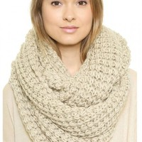 Cream Chunky Hand Knitted Snood - Choies.com