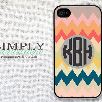 iphone 4 case - plastic or silicone rubber - chiq grunge chevron monogram