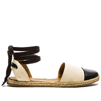 Anguilla Sandal in Seashell & Black