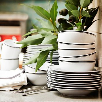 Williams Sonoma Open Kitchen Black Bistro Dinnerware Collection