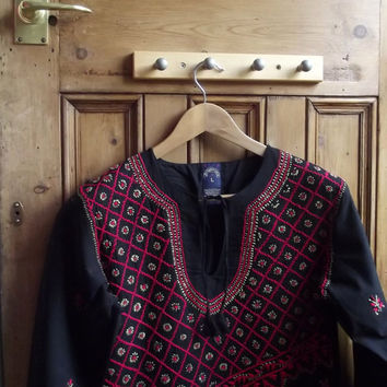 Womens vintage black boho tunic  / blouse with hand embroidery floral design  UK 12 US 10