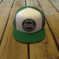 FLAT BILL SNAPBACK TRUCKER HAT - CLASSIC GREEN ON WHITE & GREEN