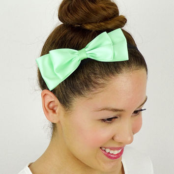 Girly Ribbon Bow in Mint
