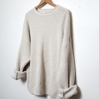 vintage cream white sweater. oversized sweater.