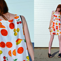 Vintage 80s white NOVELTY FRUIT PRINT colorful by BrownCowVintage