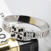Tory Burch Fashion new hollow women and men bracelet accessories Silver