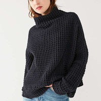 UO Waffle Knit Turtleneck Sweater | Urban Outfitters