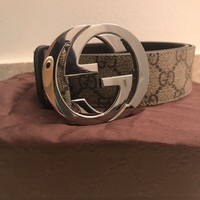 Authentic Gucci GG Supreme belt with G buckle Size 36