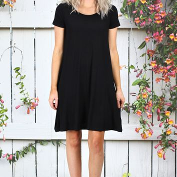 Closet Staple Basic Short Sleeve Dress {Black}
