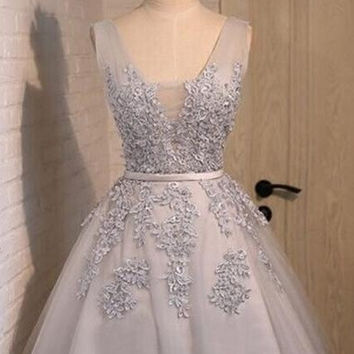 Elegant V-neck Gray Short Lace Homecoming Dresses
