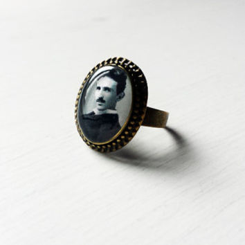Nikola Tesla - Handmade Vintage Cameo Ring - Science Jewelry - Gift for scientists - Nikola Tesla ring - Nikola Tesla cameo