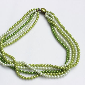 Grace Kelly Style Vintage Necklace 5 Strand Faux Green White Pearl Necklace Beaded Necklace Choker 60s Pearls Layered Necklace