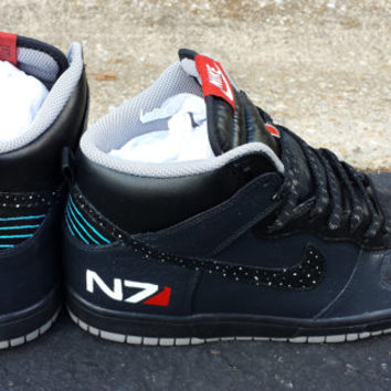 Mass Effect N7 Dunks