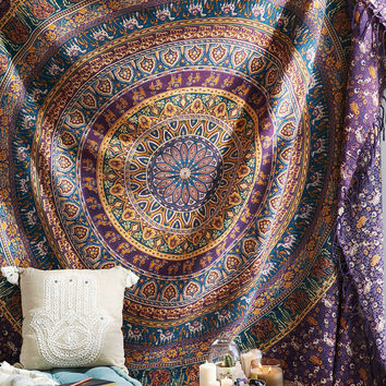 Magical Thinking Menageri Medallion Tapestry - Urban Outfitters