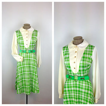 S A L E ... 60s Green and White Plaid Dress /  Peter Pan Collar / Polyester / Long Sleeve / Medium