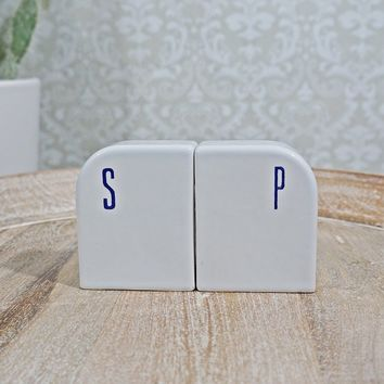 Vintage 1960s Modern + Salt/Pepper Shaker Set