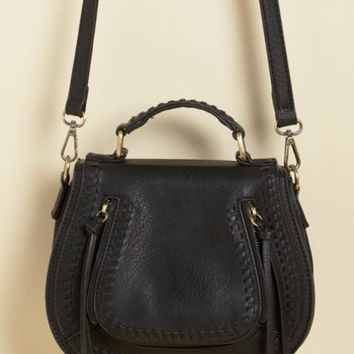 Skip on Your Shoulder Bag in Black | Mod Retro Vintage Bags | ModCloth.com