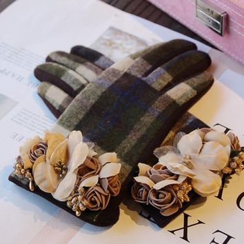 Brand Gloves Winter Gloves For Women Plaid Flower Cashmere Gloves Touch Screen Wool Gloves Women Driving Mittens Luva