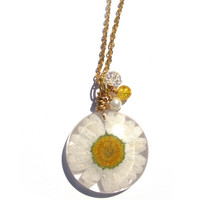 Real Daisy Necklace - Pressed Flower Jewelry - Resin Necklace -  Wire Wrapped Pendant - Daisy in Resin