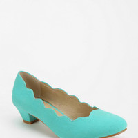 Urban Outfitters - Kimchi Blue Scallop Heel
