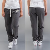 Nike Regular Rally Sweat Pants Charcoal Heather/Sail von Def-Shop.com