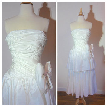 1980s White Gown Strapless Tiered Skirt Big Bow at Side Waist Crinoline Skirt Tea Length Party Prom Vintage Bride's Dress Size 6
