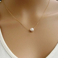 Stylish Pearl Pendant Necklace