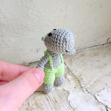 Miniature crochet hipopotam, safari jungle animal, tiny hipo, crocheted mini animal toy,safari jungle animal,little soft toy, miniature doll