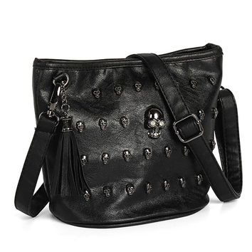 New Fashion Women Shoulder Bag Skull Face Studs Punk Rivet Lady Messenger PU Leather Goth Coressbaby Bags Tassels Vintage Style
