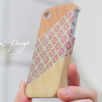 apple iphone case : vintage pattern on wood (not real wood)