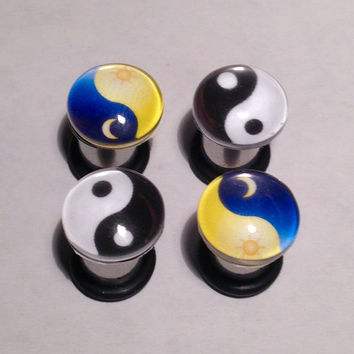 Yin Yang Picture Plugs & Earrings 14g-00g