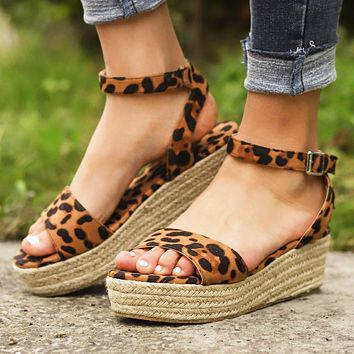 Stylish leopard-print hemp rope wedges with light soles and fish-tip sandals for women in large sizes