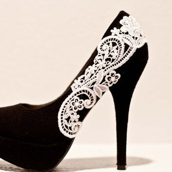 Black Pumps with White Venise Lace ... Size 8.5