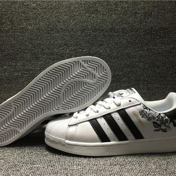 A319 Adidas Superstar Embroidery Casual Skate Shoes White Black