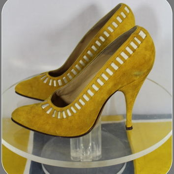 Vintage 1950s Albion Italian-Made Mustard Suede Stiletto Heel Shoes 5/5.5N