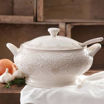 The Pioneer Woman Farmhouse Lace Tureen with Lid and Ladle - Walmart.com