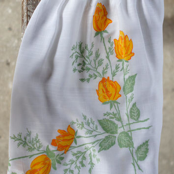 Vintage Cafe Half Apron Yellow and White Roses with front pocket, Gorgeous Shabby Chic Hostess style Cafe Apron or Half Apron