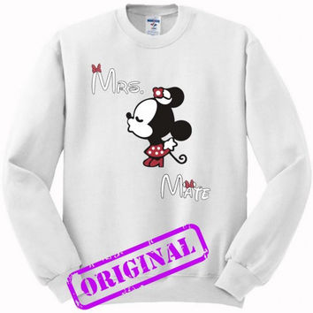 3 Minnie Kissing Mickey + Mrs + Mate for women for sweater white, sweatshirt white unisex adult