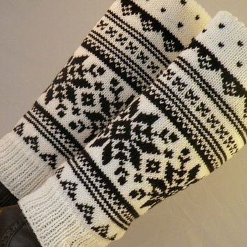 Hand Knit Snowflake Winter Boot Covers by ArzuMusaKnitting on Etsy