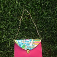 Limited Edition Lilly Pulitzer You Gotta Regatta Envelope Clutch Crossbody Purse made with Lilly fabric